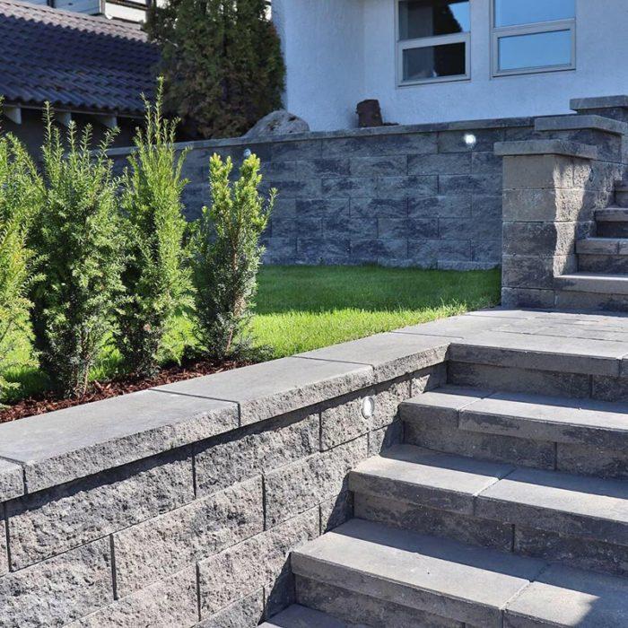 Splittblokk trapp, støttemur og belysning copy-min
